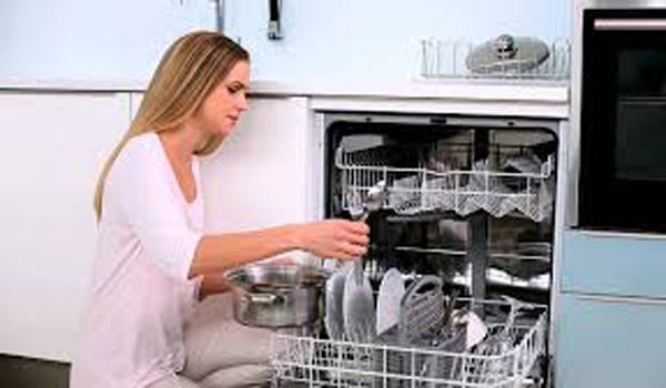 Моется посуда
