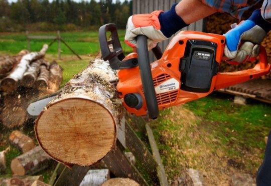 Бензопила , заготовка дров