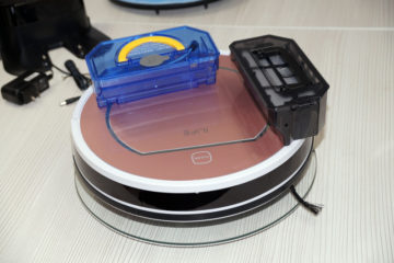 iLife V7s Pro контейнеры